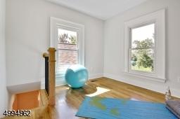Unique 3rd fl loft/art/yoga studio/office in the tower!