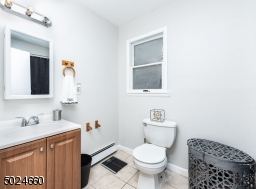 Main bathroom completely renovated
