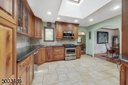 ceramic floors, granite counter tops