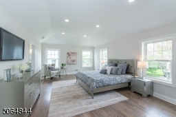 Beautiful Master Bedroom with large Walk in Closet as well as second closet and ensuite full bathroom