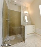 Full walk in shower and soaking tub