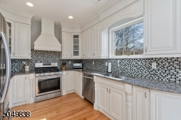 Granite Countertops, Soft Close Cabinets and Drawers