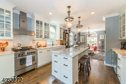 The current owners really enjoy this excellent configuration of the Kitchen right next to the Family Room