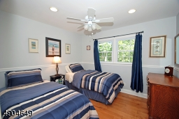 features recessed lighting, a ceiling fan light, chair rail and maple flooring