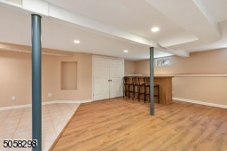 Laminate and Tile Floor, Bar, Full Bathroom