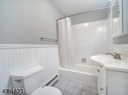1st Floor Main Bath