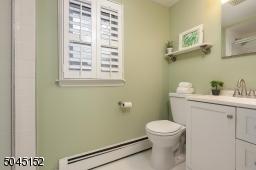 2nd Floor Full Bathroom