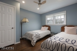 This room easily accommodates twin beds