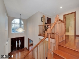 Two level foyer