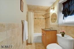En-suite bath off BR#4 / private office