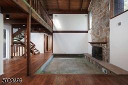 Soaring ceilings, natural sunlight & an open floor plan.