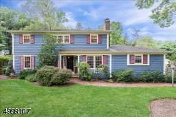 Beautifully maintained Large Colonial