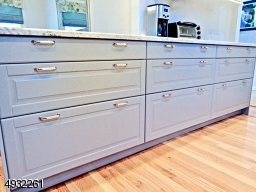 Slow close Pull out drawers