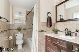 2nd floor bathrooom