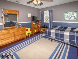 15' bedroom with paddle fan